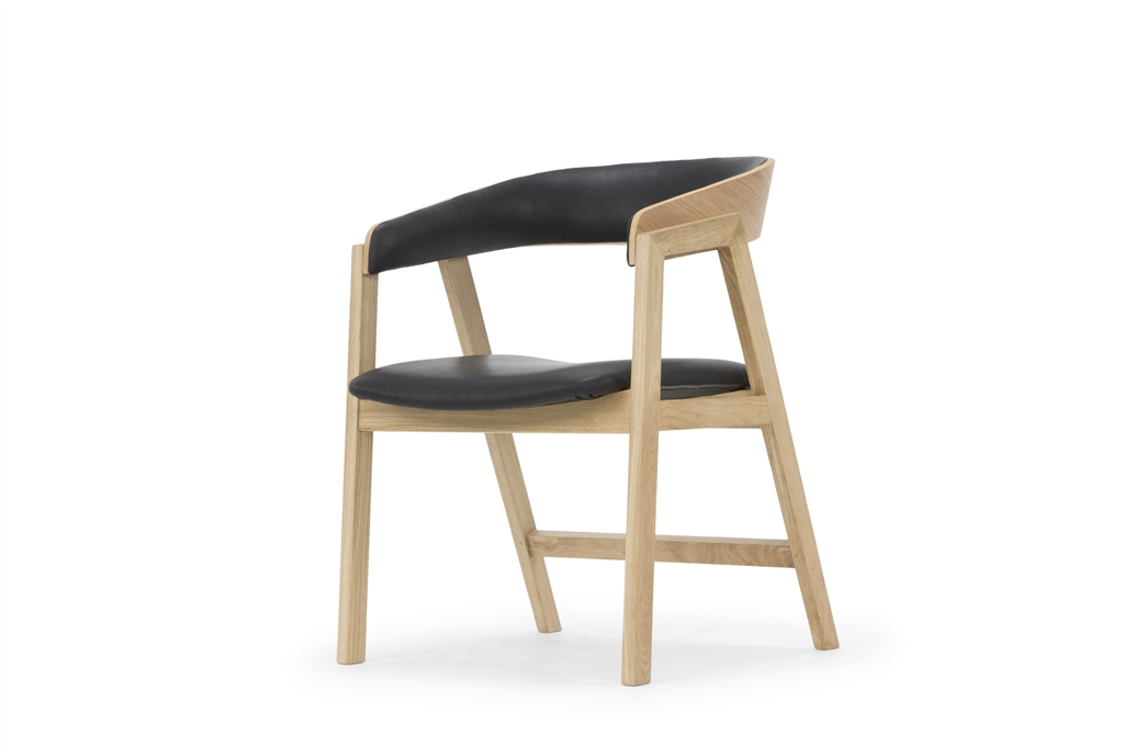 arc-1019-dining-chair-hermes-eclipse-natural-oak-legs-low-angle