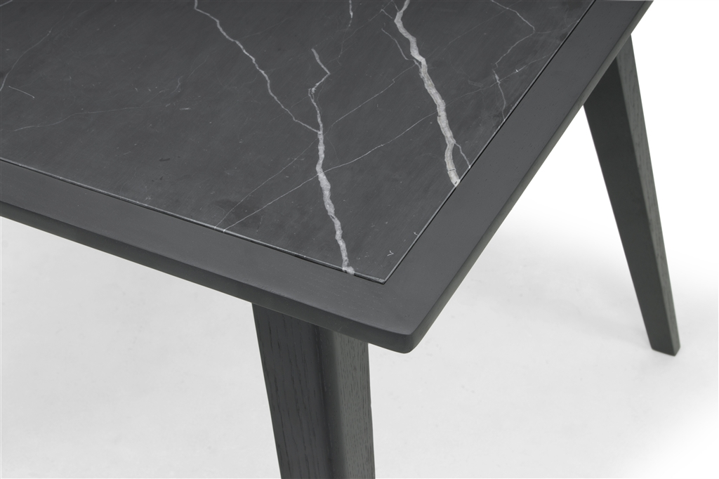 arc-1020-dining-table-150x90x75cm-oak-legs-in-dark-grey-stained-marble-table-top-close-up