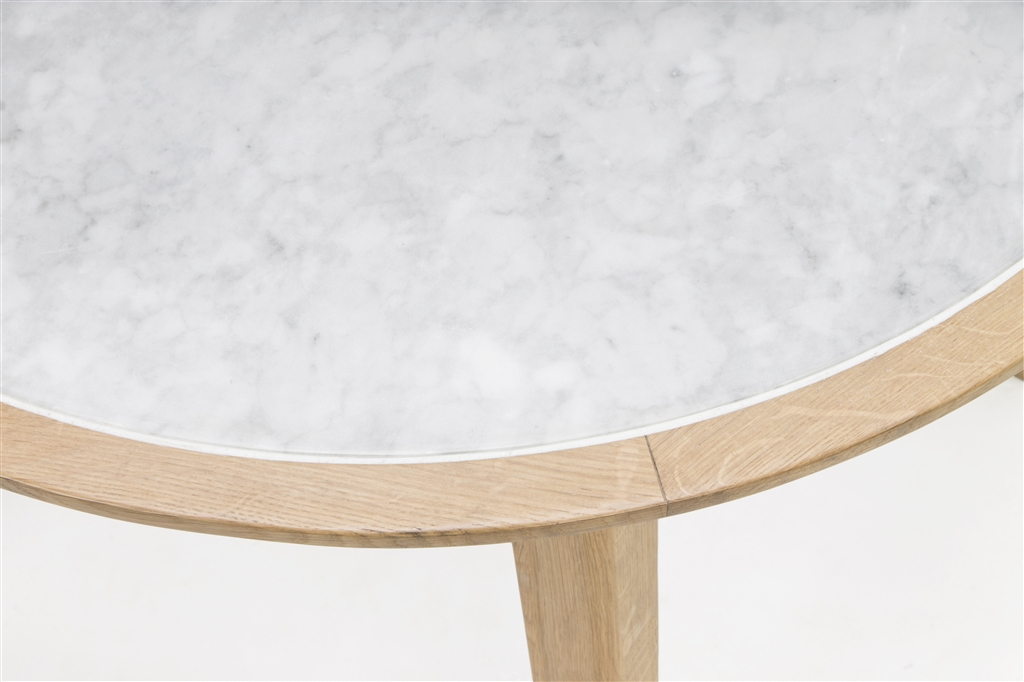 arc-1021-round-table-natural-oak-legs-marble-table-top-close-up-1