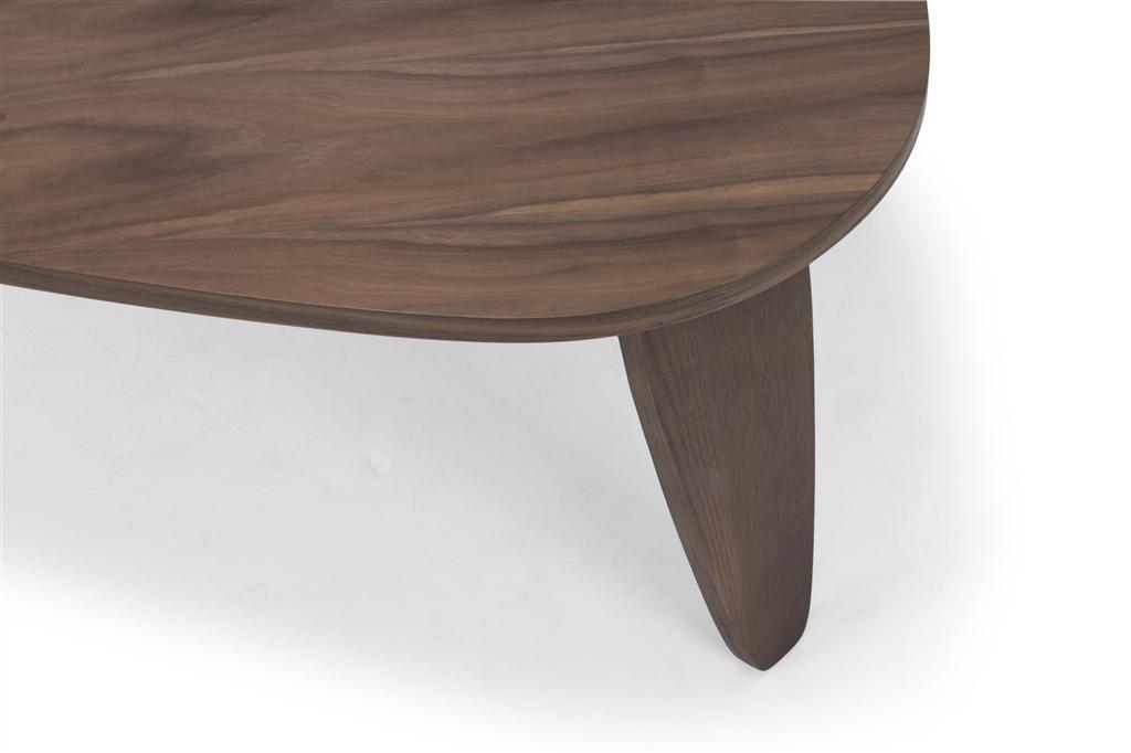 arc-1024-coffee-table-walnut-table-top-walnut-veneer-legs-close-up