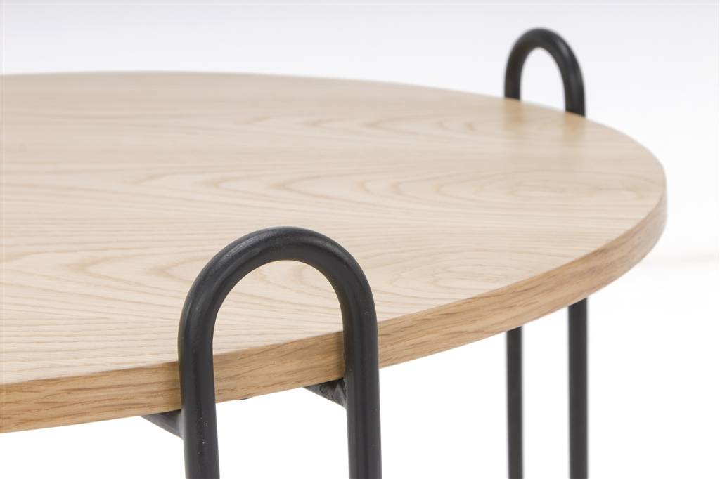 arc-1028-coffee-table-matt-black-steel-legs-top-natural-oak-close-up-2