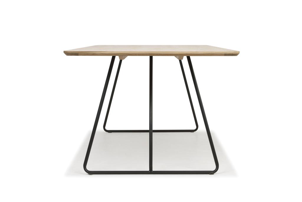 arc-1029-dining-table-200x100x75cm-matt-black-steel-legs-top-in-natural-oak-side