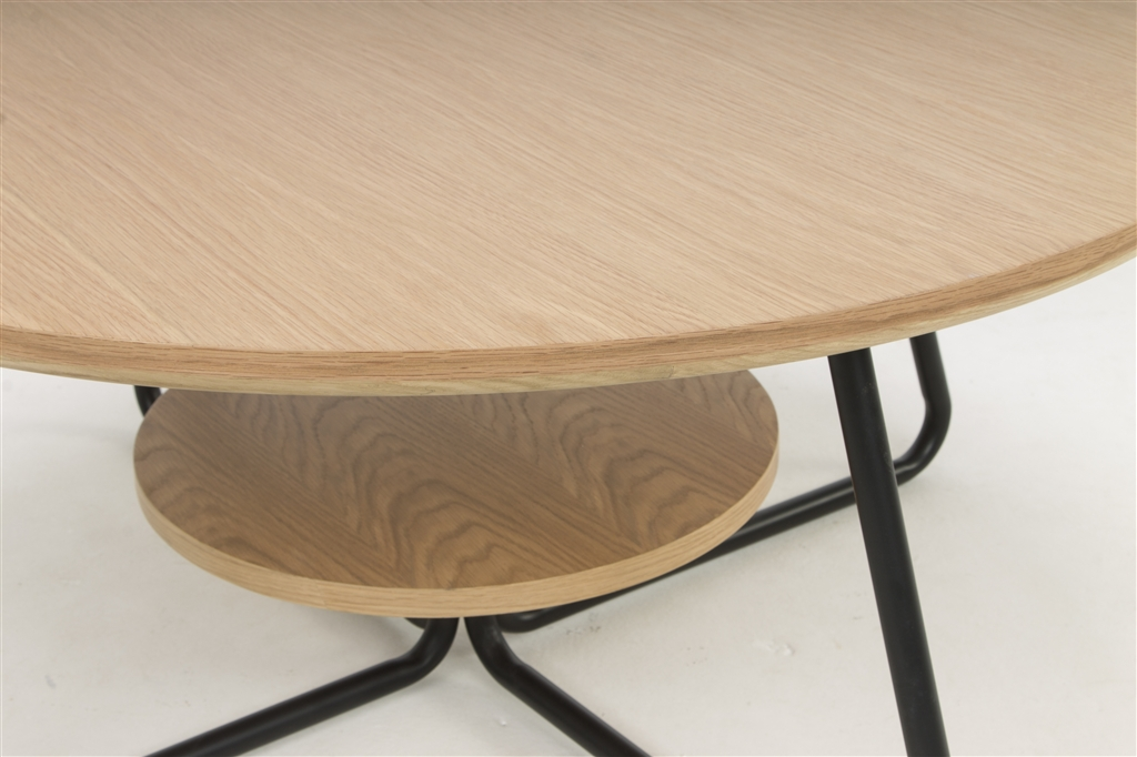 arc-1032-coffee-table-matt-black-steel-legs-top-natural-oak-close-up-2