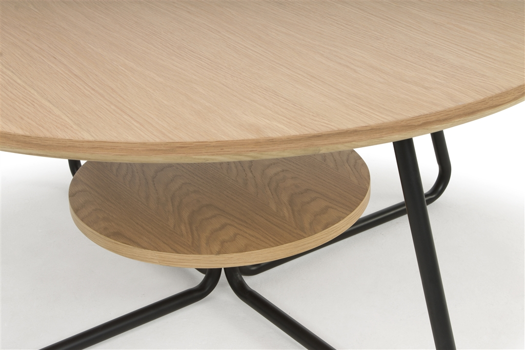 arc-1032-coffee-table-matt-black-steel-legs-top-natural-oak-close-up-3