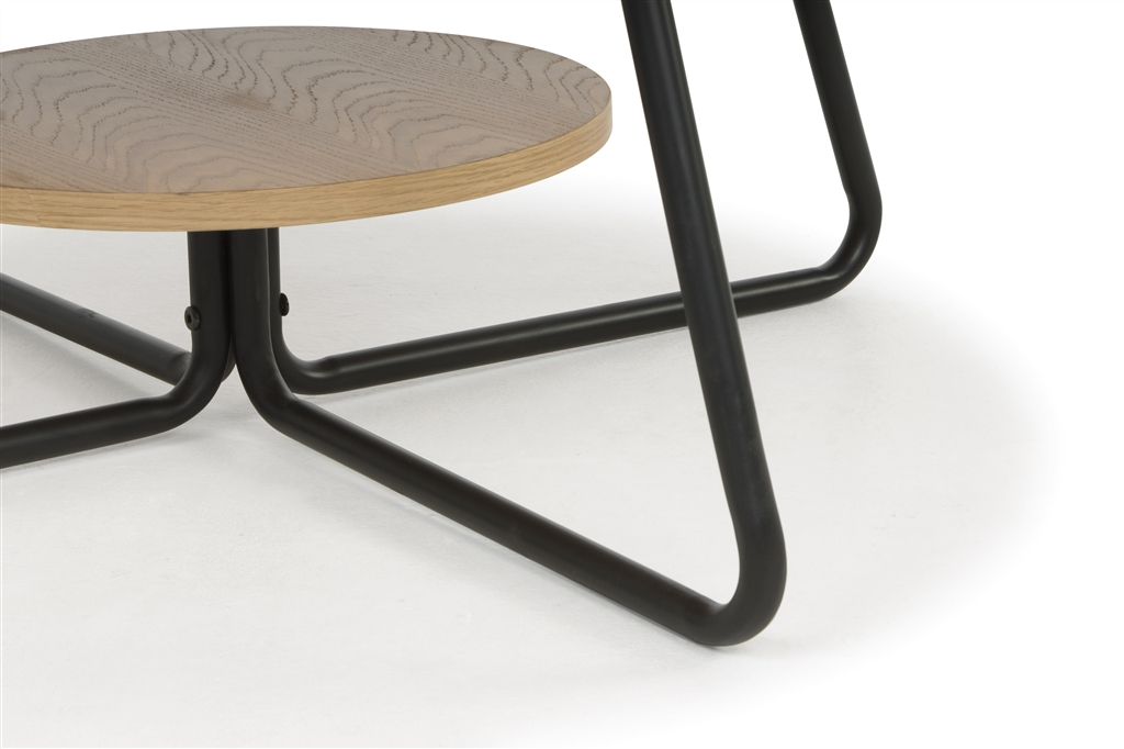 arc-1032-coffee-table-matt-black-steel-legs-top-natural-oak-close-up
