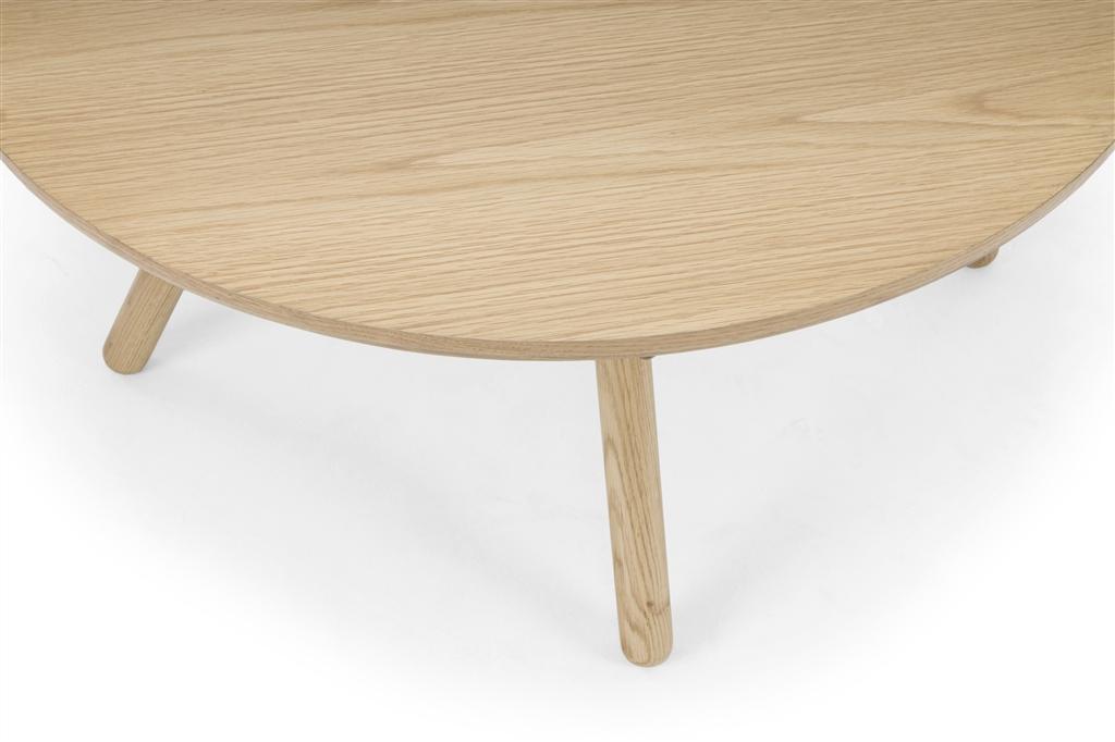 arc-1033-coffee-table-matt-black-steel-legs-top-natural-oak-matt-brass-leg-detail-close-up