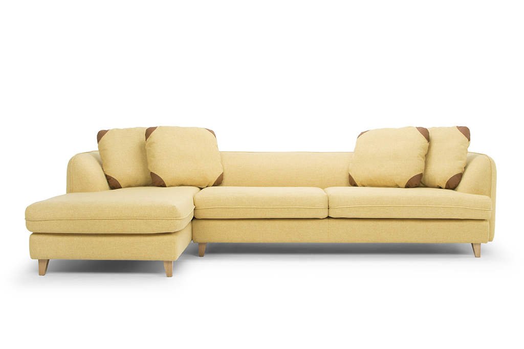 arc-1303-3s-chaise-lhf-vence-327-sunincl-4-scatter-cushions-leather-zenith-9029-marronecorner-of-scatter-cushions-natural-oak-legs-front